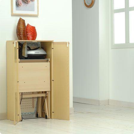 Mueble sesamo de foppapedretti para guardar tablas de for Mueble para guardar tabla de planchar